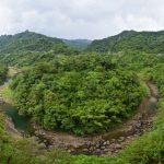Koryto řeky vypadá vyschle, rychle se však zaplní v období dešťů